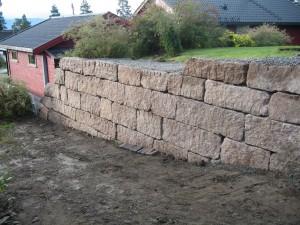 September 2009: Bygging av stablemur, Kongsberg.